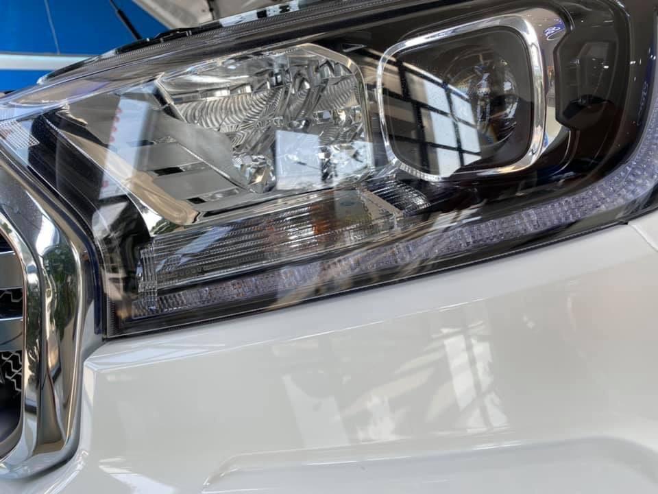 hệ thống đèn pha Ford Ranger XLT 2019
