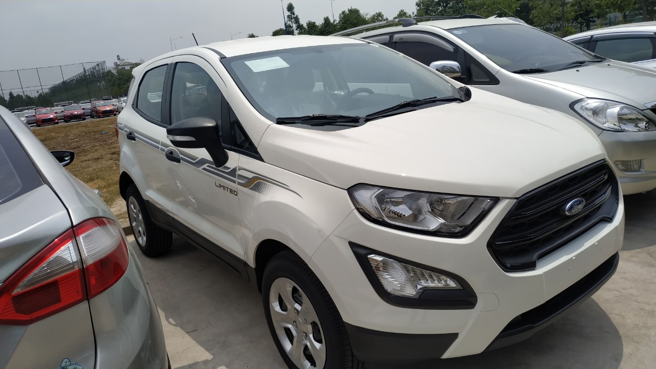 den-pha-ford-ecosport-ambiente-15at