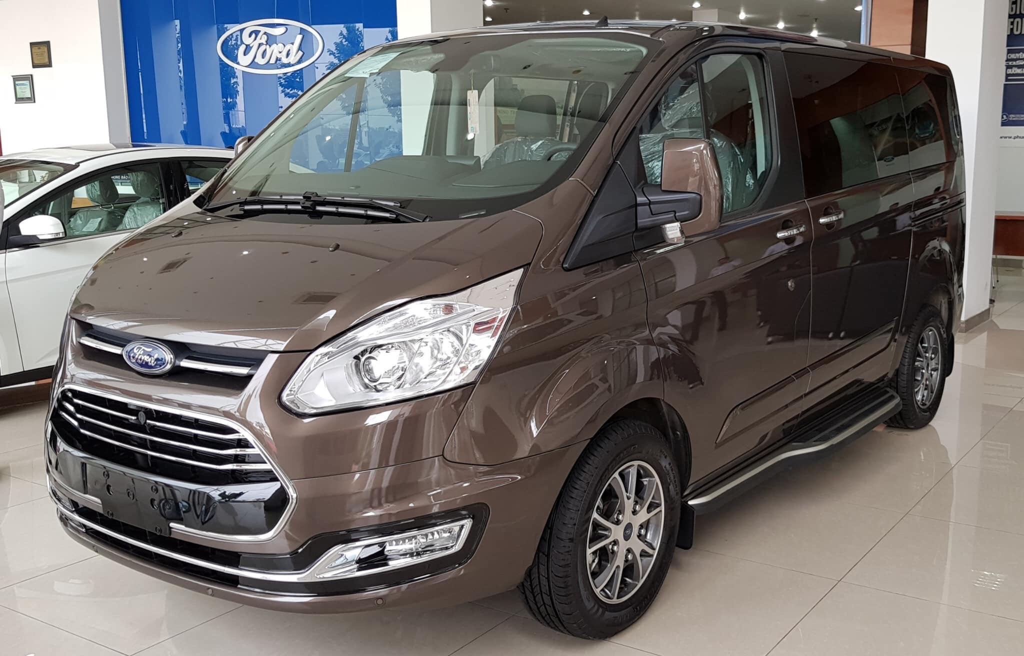 ford-tourneo-1.jpg