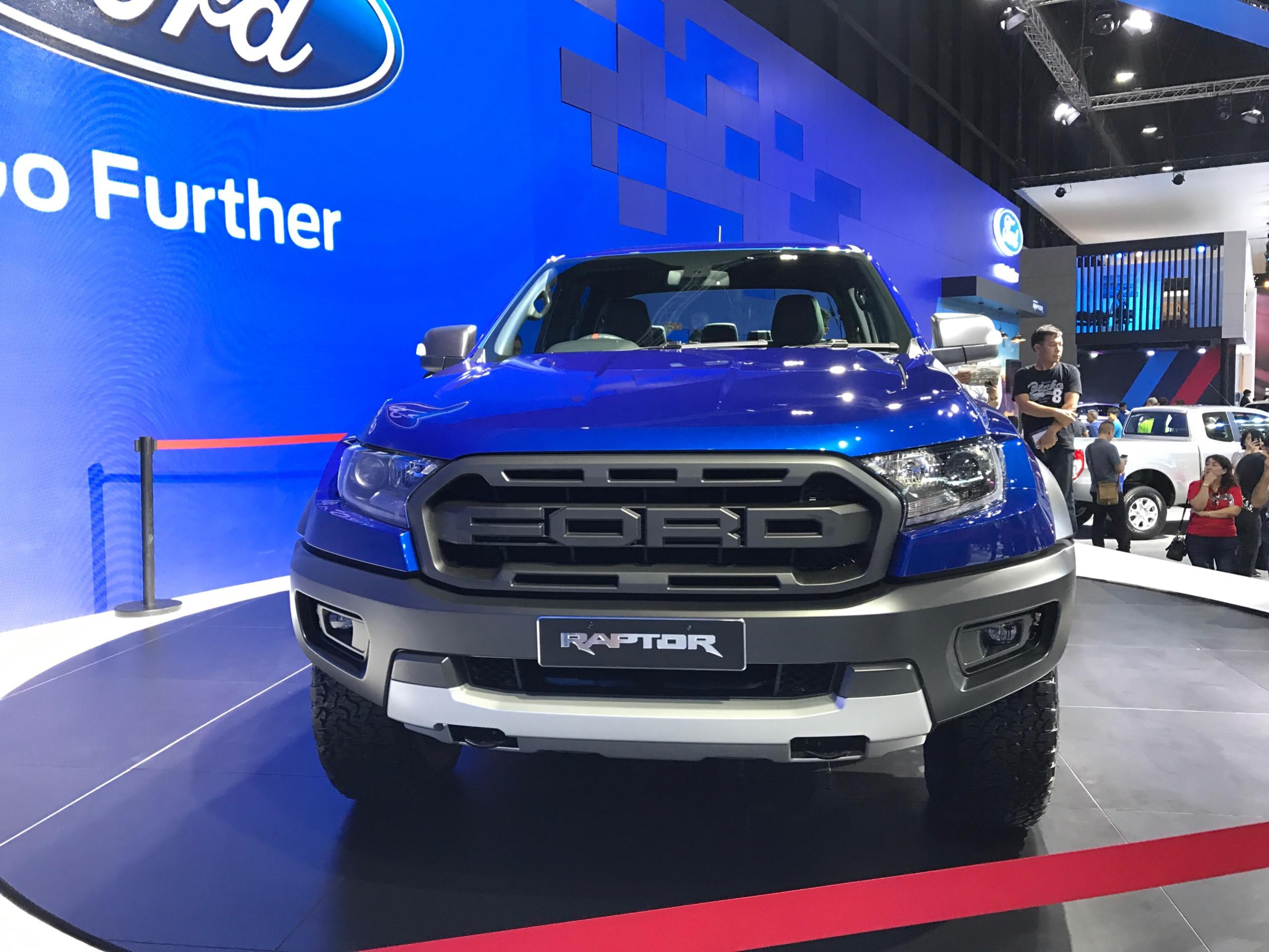 phần đầu xe Ford Ranger Raptor 2018.jpg